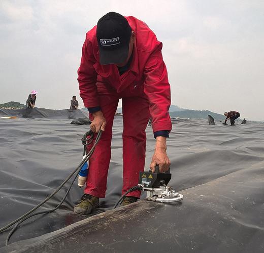 Máy hàn nhựa weldy geo2 mini hàn màng chống thấm ao nuôi tôm